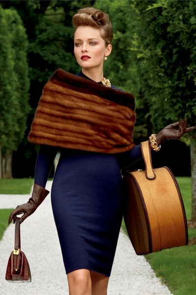 navy-dress-dark-brown-purse-brown-fur-cape_400 (400x600, 63Kb)