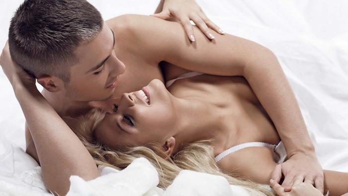 Как вести себя в постели: советы мужчин
