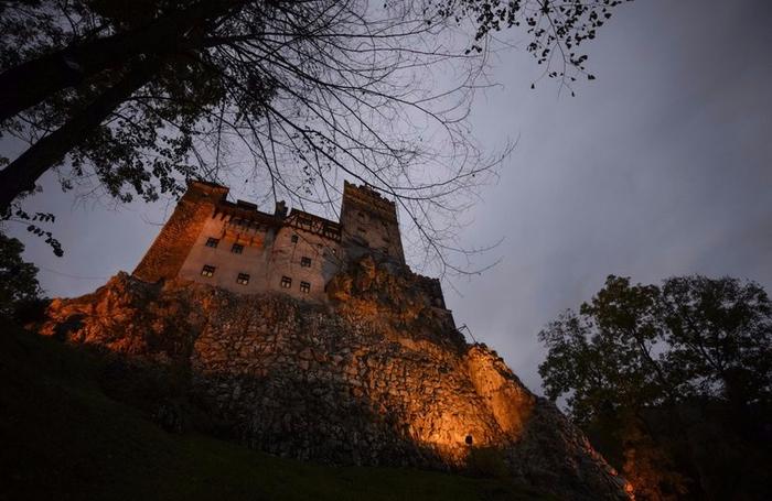 ночь в замке дракулы 6 (700x455, 347Kb)