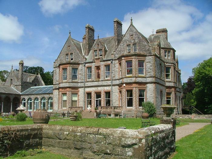 отель в шотландском замке Castle Leslie Estate 2 (700x525, 466Kb)