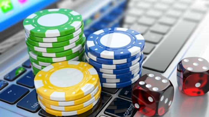онлайн казино на деньги/4121583_casino (700x394, 416Kb)