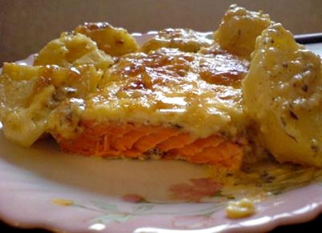 Форель запеченная с картошкой и сыром в духовке рецепт