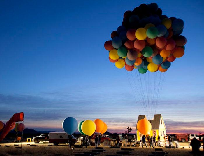 дом на воздушных шарах 1 (700x535, 258Kb)