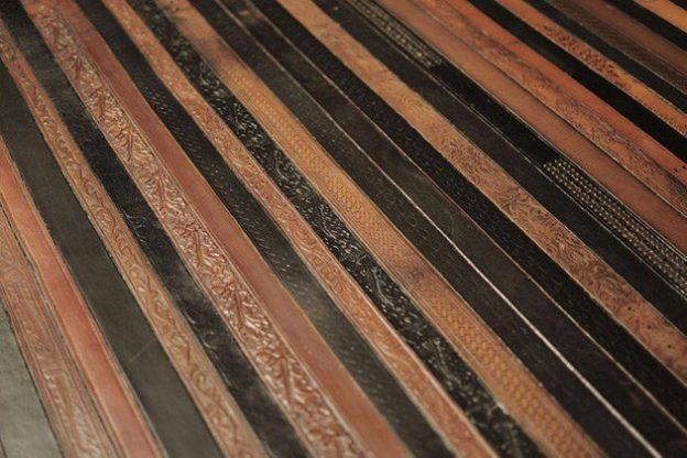 ковры из кожанных ремней 9 (624x416, 253Kb)