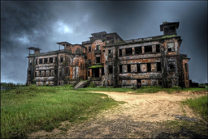 3256587_Bokor_Palace_Hotel_and_Casino (700x466, 135Kb)