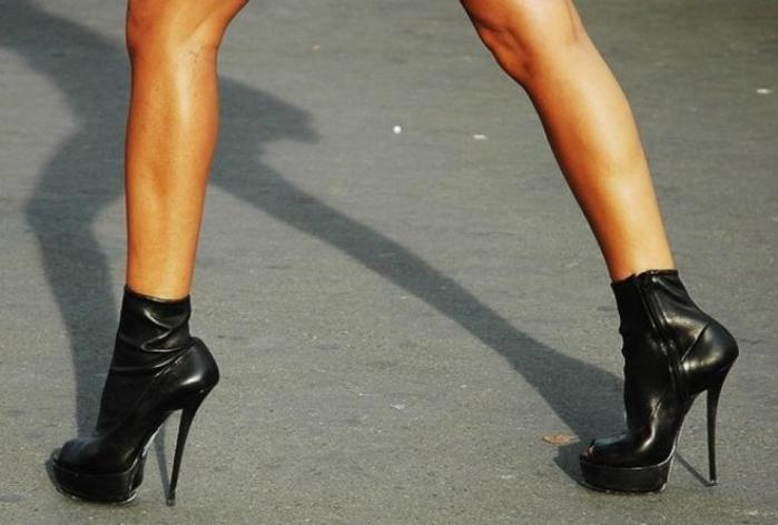 06379b87828e61dbb69bd2f27c33beb0--ли-обувь-на-высоком-каблуке (700x472, 230Kb)