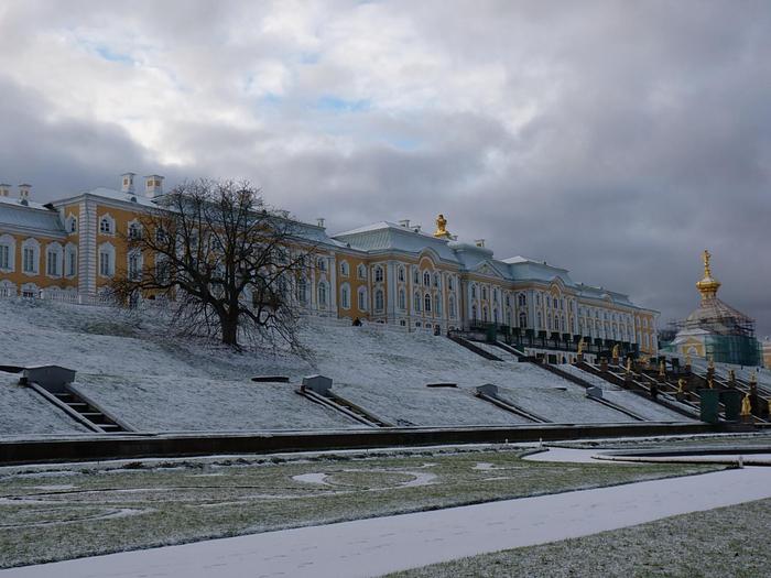 Зимний парк фонтанов (700x525, 339Kb)