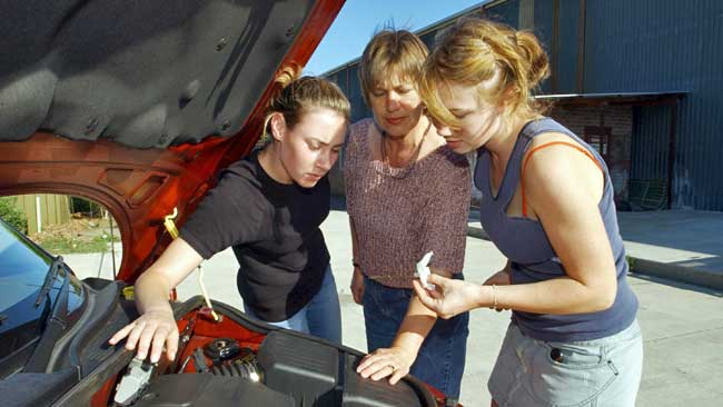 Очищаем внешнюю поверхность двигателя — KERRY