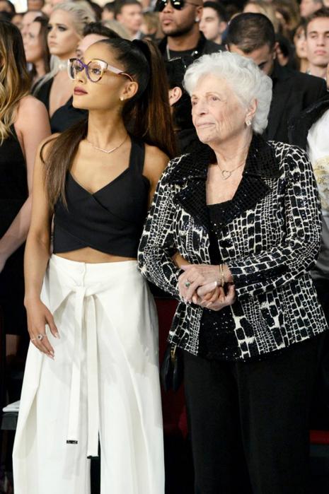 Pictured-Ariana-Grande-Marjorie-Grande (465x700, 340Kb)