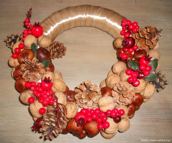 Рождественские венки из природных материалов (12) (700x578, 338Kb)
