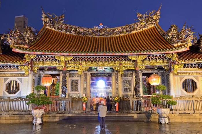 4. Храм Луншань или Гора Дракона (700x466, 468Kb)