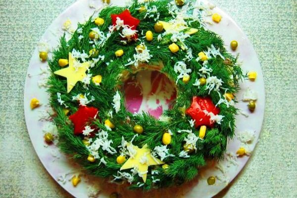 salat-novogodnij-s-kukuruzoj-i-kuricej (600x400, 76Kb)