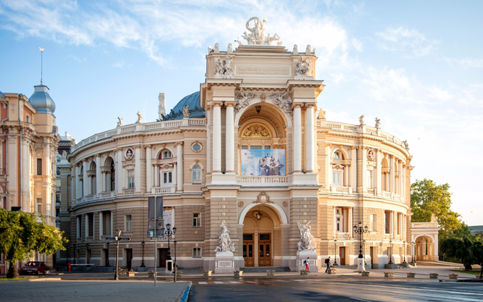 ukraine-odessa-national-academic-theatre-of-opera-ukraina-od (700x437, 372Kb)