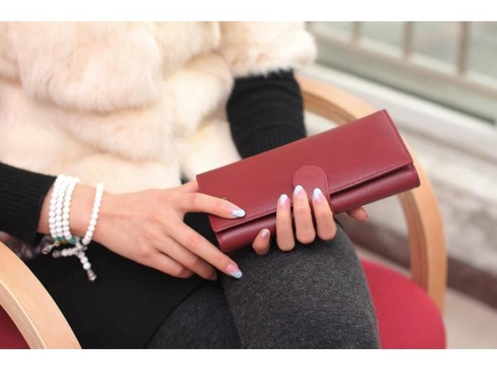 Женский кошелек – кожа или заменитель? О чем могут рассказать эти материалы!