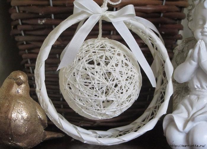 Новогодний шар из ниток своими руками (12) (700x505, 290Kb)