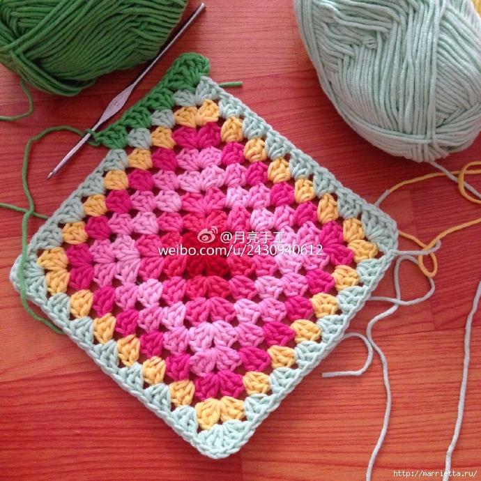 Подушка крючком из квадратов с цветами (3) (690x690, 416Kb)