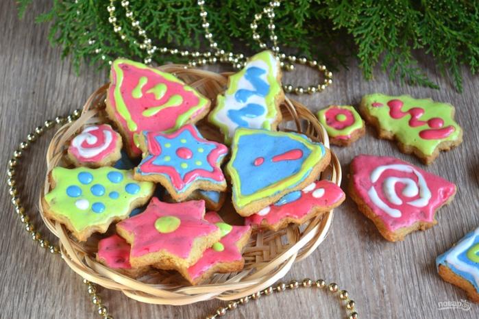 Новогодние блюда для детей/5281519_novogodnee_pechene_s_glazuriu334527 (700x466, 296Kb)
