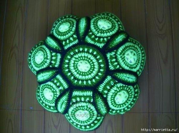 Панцирь черепахи - подушка крючком из круглых мотивов (1) (593x442, 151Kb)