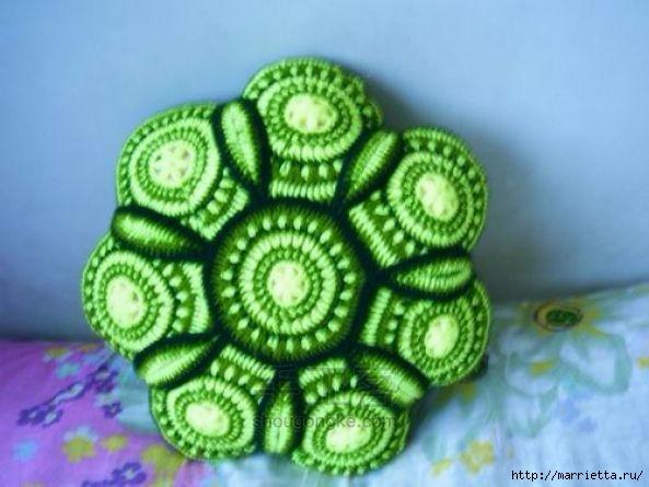 Панцирь черепахи - подушка крючком из круглых мотивов (5) (593x445, 134Kb)