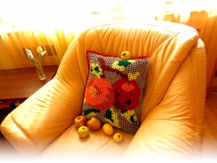 pillow_Apples_00-696x522 (696x522, 296Kb)