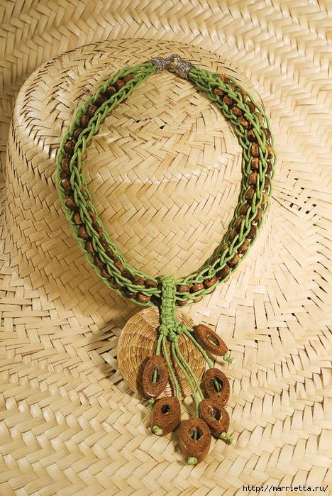 Плетем ожерелье с деревянными бусинами (468x700, 364Kb)
