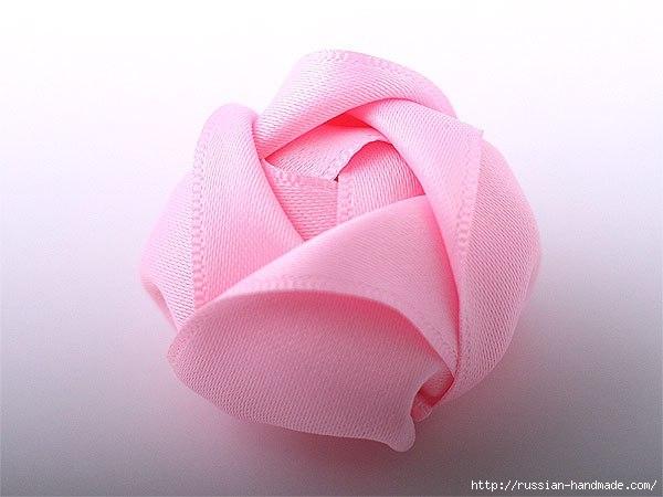 Резинка для волос с розой из атласа (1) (600x450, 105Kb)
