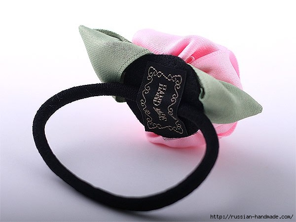 Резинка для волос с розой из атласа (5) (600x450, 102Kb)