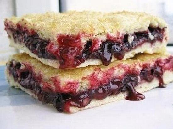 постный пирог со смородиной