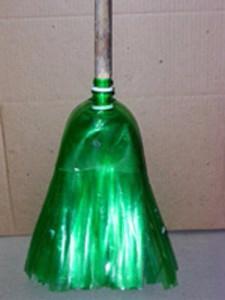 Метла из пластиковых бутылок. Мастер класс (10) (225x300, 51Kb)