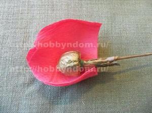 Букеты из конфет. Бутоны роз (6) (300x224, 78Kb)