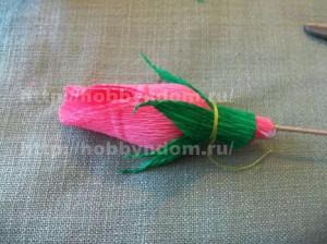 Букеты из конфет. Бутоны роз (10) (300x224, 72Kb)