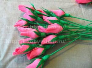 Букеты из конфет. Бутоны роз (14) (300x224, 75Kb)