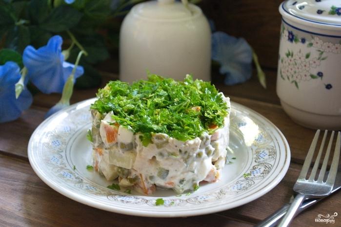 Рецепты Оливье на Новый год/5281519_salat_quotolivequot_originalnii317469 (700x466, 243Kb)