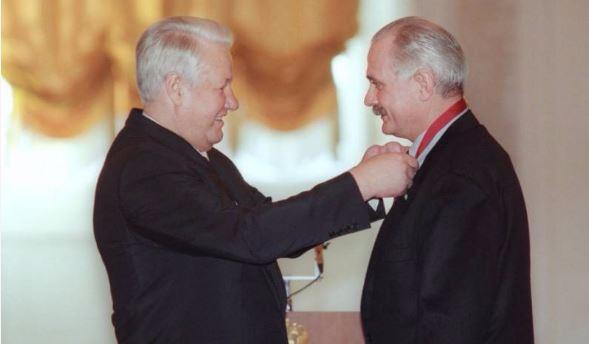 Ельцин,Михалков (589x344, 107Kb)