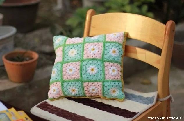 Бабушкин квадрат с цветком. Вяжем подушку (1) (633x418, 152Kb)