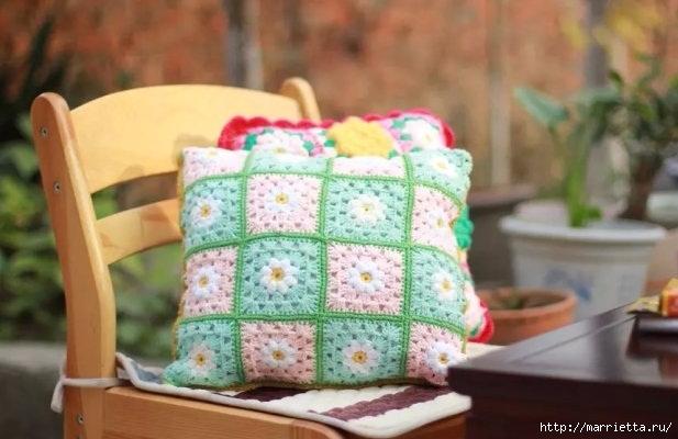 Бабушкин квадрат с цветком. Вяжем подушку (7) (617x400, 135Kb)