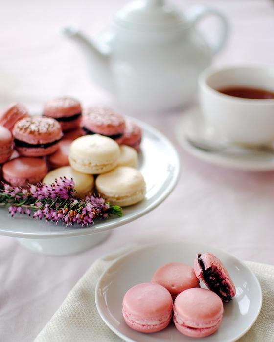 tea_macarons (560x700, 331Kb)