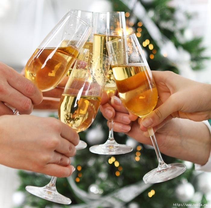 """alt=""""Алкоголь на праздничном столе традиция или необходимость?""""/2835299__1_ (700x692, 322Kb)"""