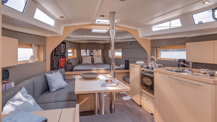 Beneteau-OC38-interior-cruiser-best-211111111 (700x393, 277Kb)