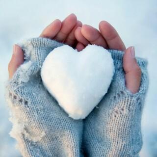 сердце в рукаж (320x320, 26Kb)