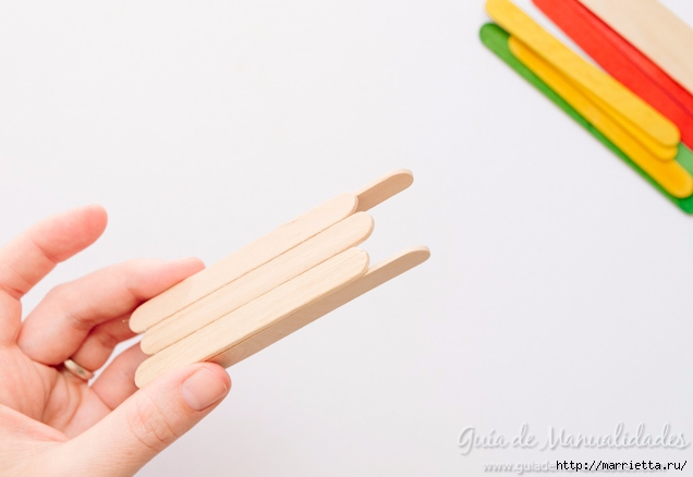 Саночки из деревянных палочек от мороженого (4) (636x438, 100Kb)