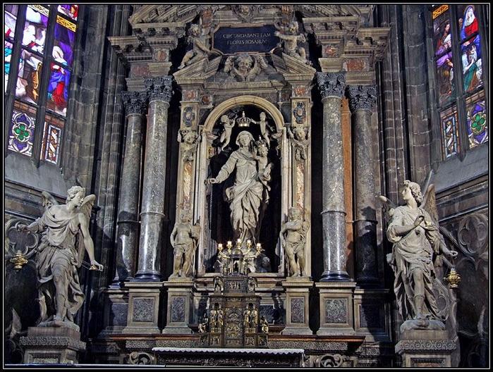 миланский кафедральный собор 4 (700x528, 486Kb)
