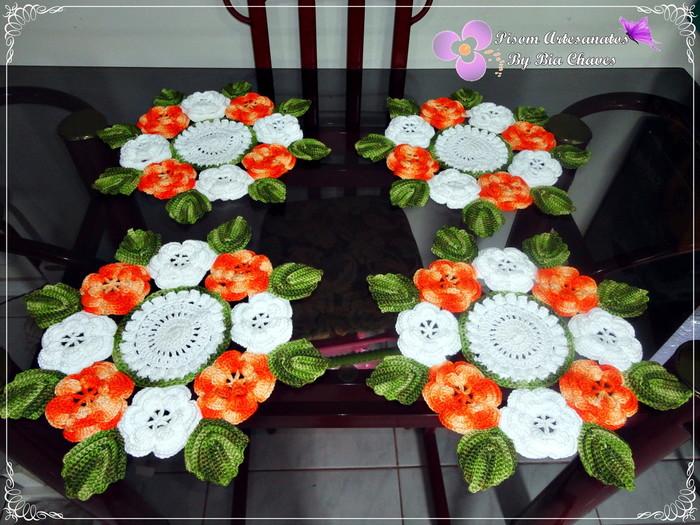 jogo-de-centrinhos-floral-croche (700x525, 136Kb)