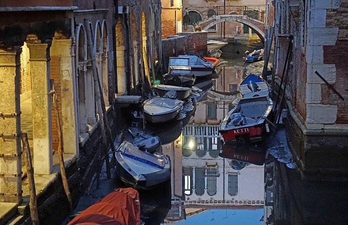 в венеции пересохли каналы 2 (700x453, 387Kb)