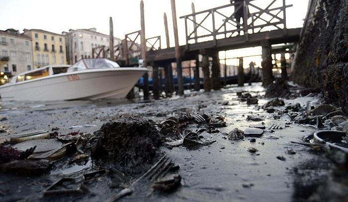 в венеции пересохли каналы 6 (700x406, 289Kb)