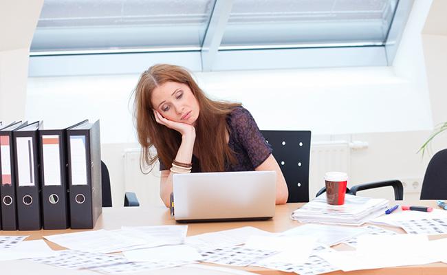 девушка в офисе/1484476655_devushka_v_ofise (650x400, 76Kb)