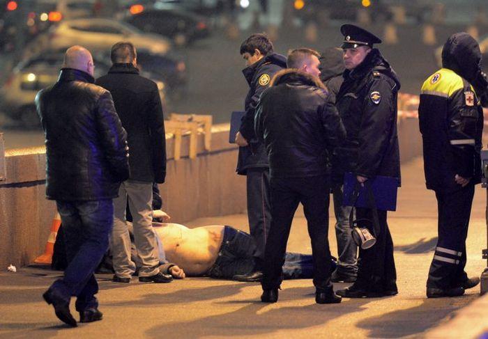 Борис Немцов убит в центре Москвы (700x487, 55Kb)
