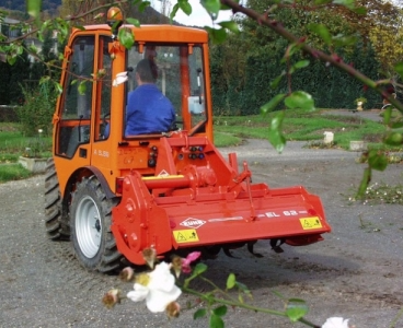 "alt=""Грунтофреза для трактора""/2835299_Gryntofreza_dlya_traktora3 (368x300, 251Kb)"