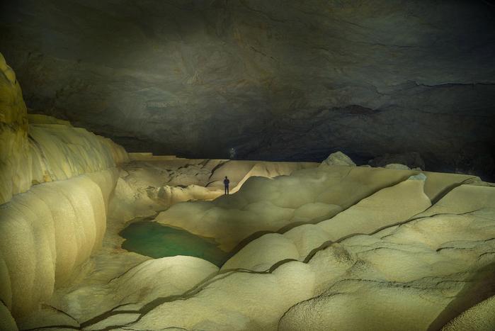 пещера Tham Khoun в лаосе 6 (700x467, 286Kb)
