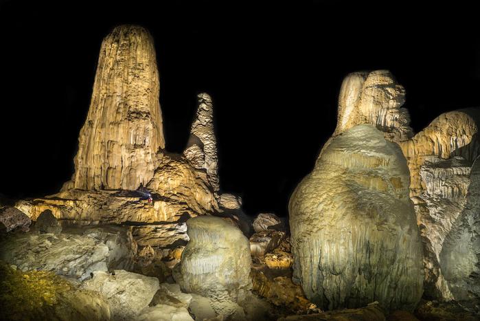 пещера Tham Khoun в лаосе 8 (700x467, 314Kb)